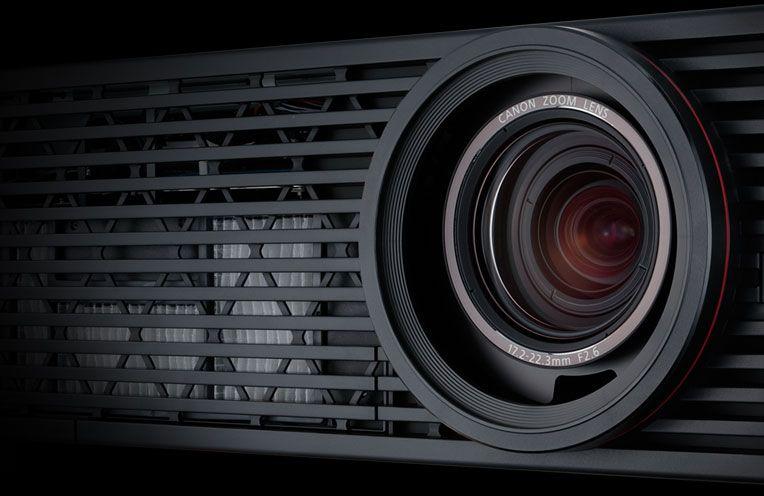 Canon presenta el proyector 4K más pequeño y ligero del mundo