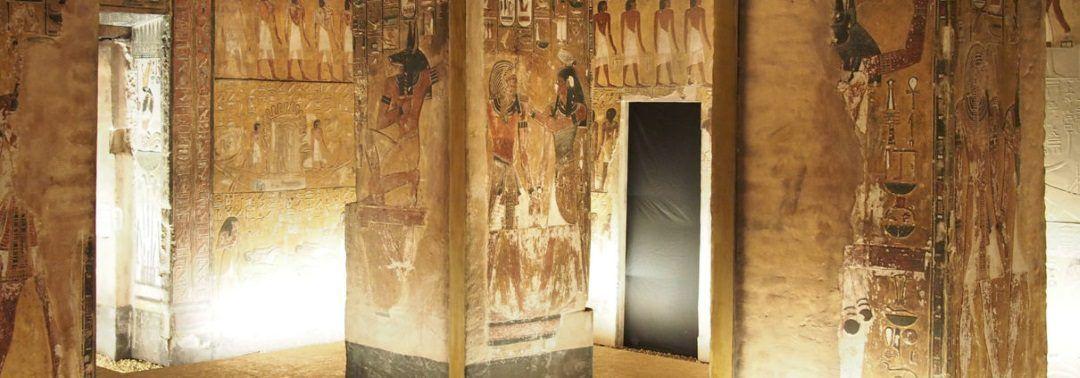 Canon reproduce obras del Antiguo Egipto con la tecnología de impresión elevada en una exposición sobre Seti