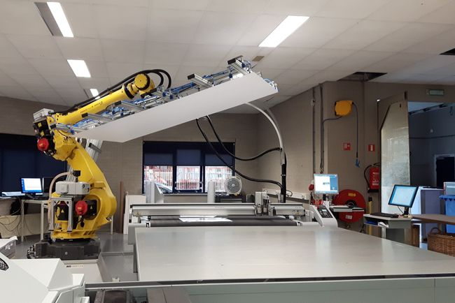 Canon presenta una solución automatizada de impresión y acabado para producción de aplicaciones sobre soportes rígidos